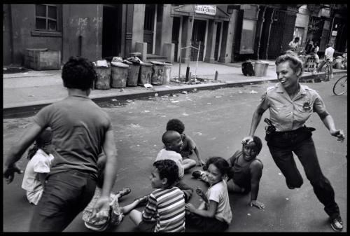 Pictures of Life of the New York Police Department in the 1970's (1)