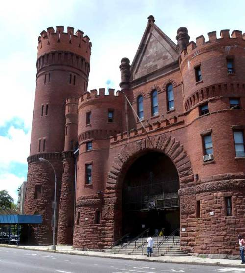Monk Eastman enlisted in the 27th infantry division here in the castle like Bedford Atlantic Armory (Image via Wikipedia).